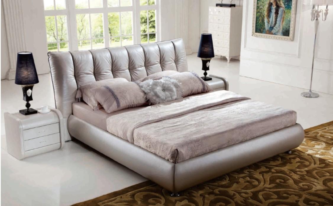 adf87dedd828 Luxusní moderní postel s nádherně prošívaným čelem. Luxusní manželská postel  LAVIA